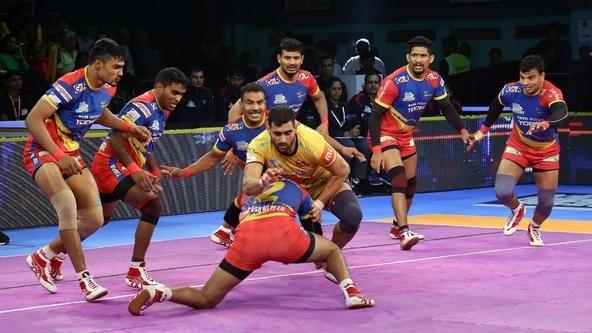 Nitesh Kumar's valiant High 5 inspires U.P. Yoddha to victory