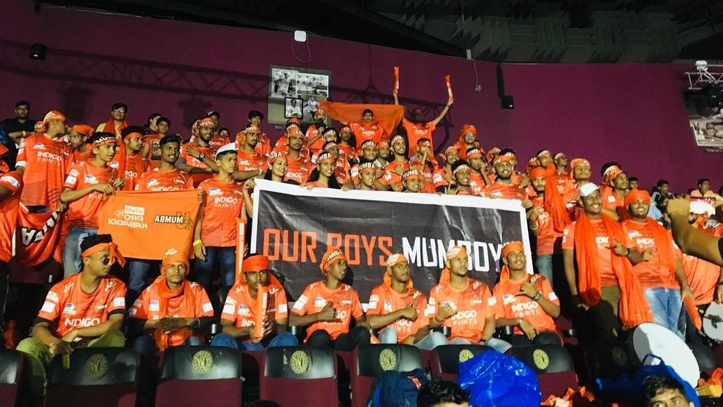 Me Mumba show their support for U Mumba