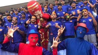 Dabang Fauj show their support for Dabang Delhi K.C.