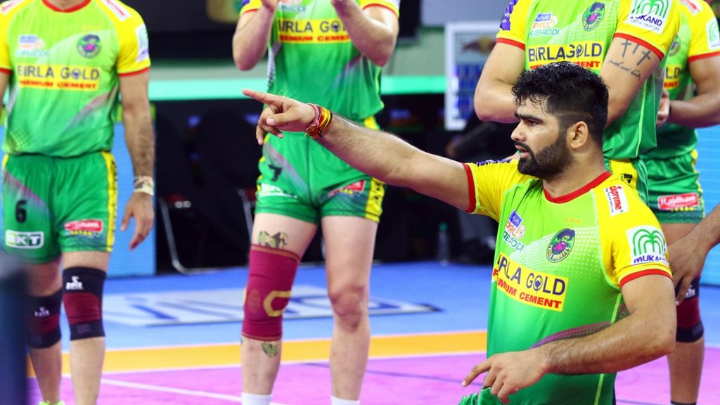 Patna Pirates' Pardeep Narwal in action during vivo Pro Kabaddi Season 7.