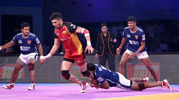 Bengaluru defeat Delhi to keep alive slender playoff hopes