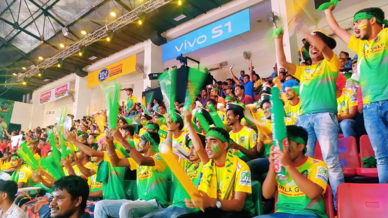 Pirate Army show their support for Patna Pirates