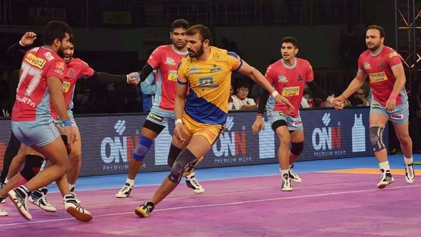 Chennai stay winless at home after a narrow loss
