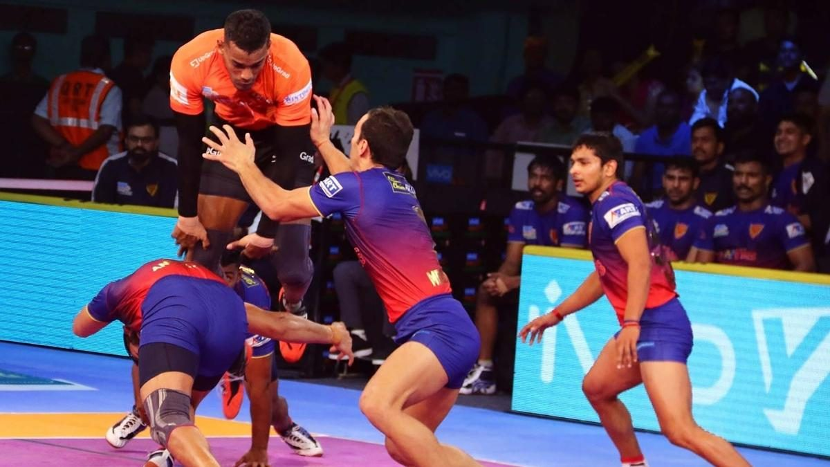 Super 10 from Desai and High 5 from Atrachali help U Mumba to their fifth straight win