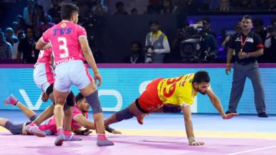 Match 100: Jaipur Pink Panthers vs Gujarat Fortunegiants