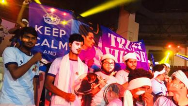 Thalaiva Padai show their support for Tamil Thalaivas