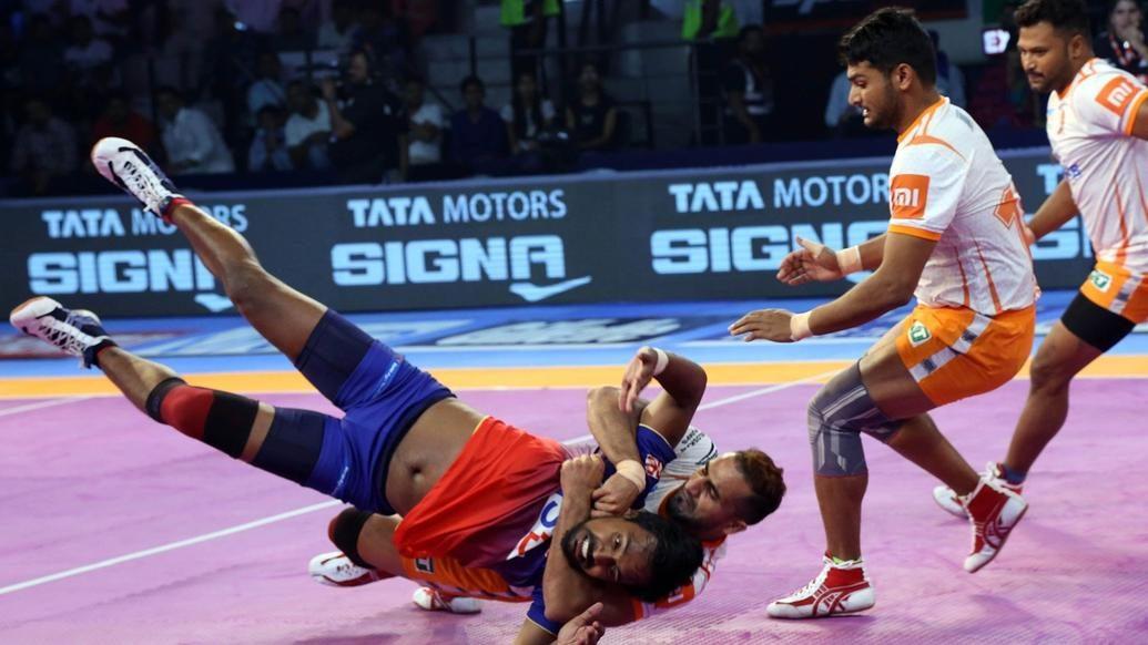 Sandeep Narwal's incredible solo tackle on Chandran Ranjit