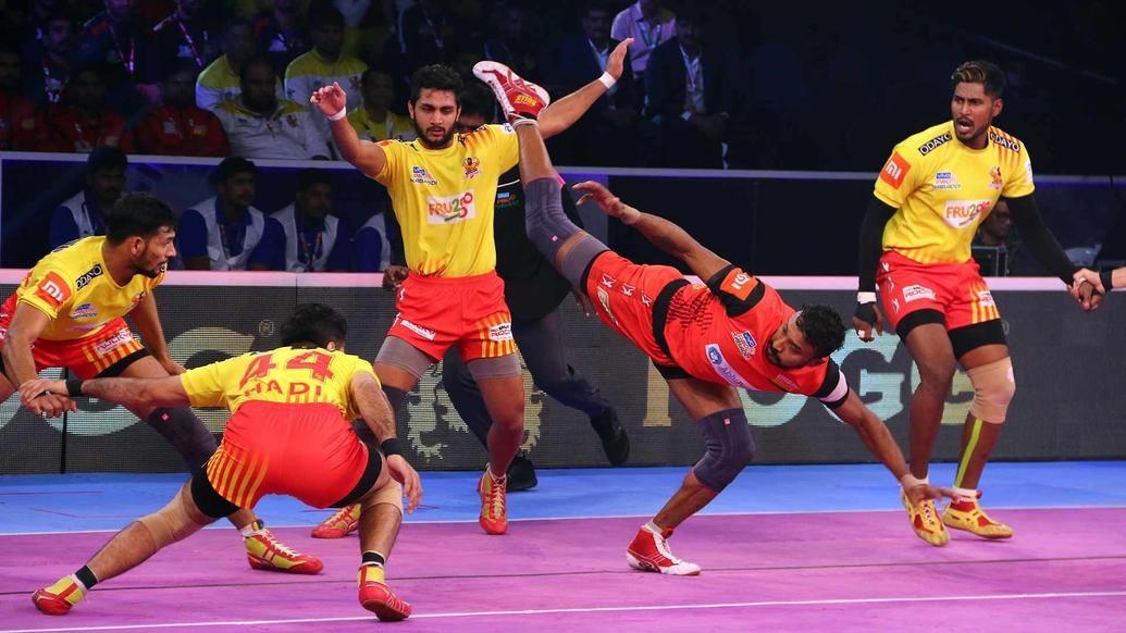 Thrilling action moments from Vivo Prokabaddi Season 6 playoffs