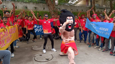 Giant's Army show their support for Gujarat Fortunegiants